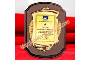 chế tác vinh danh bảng vàng, cung cấp bằng chứng nhận uy tín